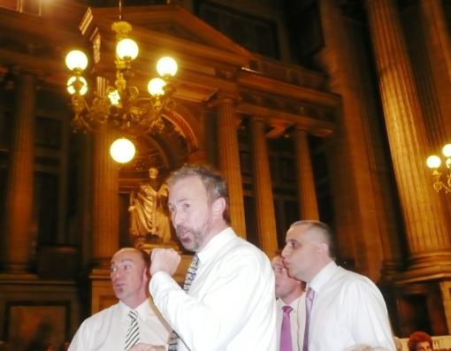 Gaither Vocal Band, de Louisiana, USA, cantando o spiritual Great Getting'up Morning, na Eglise de Madeleine, em Paris